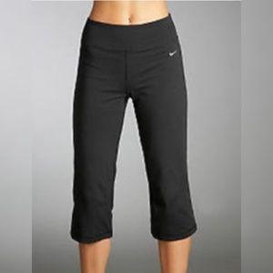 Nike DriFIT Low Rise Form Fitting Wide Leg Capris